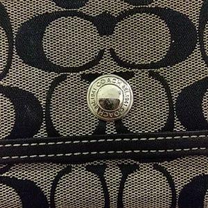 Coach Bags - 🎆Gorgeous CoachSignature Black&Gray Canvas Wallet